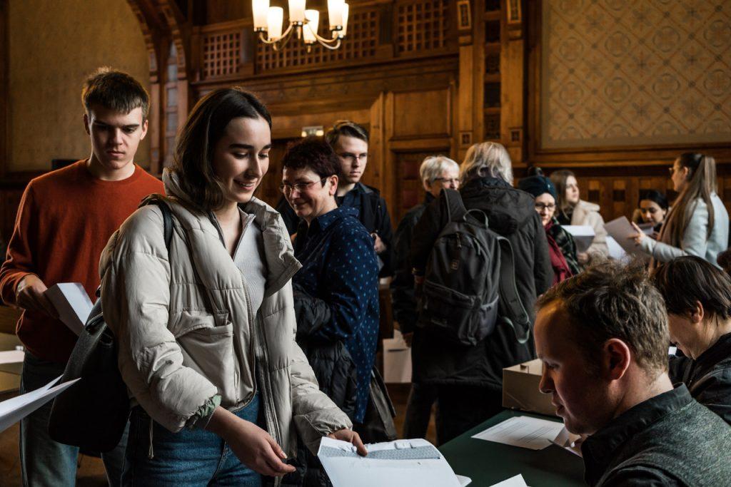 Schriftpat_innen im Ratssaal des Rathauses Köpenick am 27.01.2020